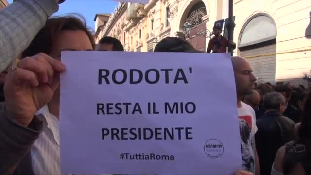 Roma: presidio 5 stelle, Grillo non pu entrare