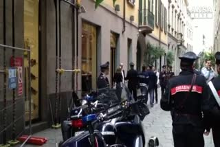 Rapina in gioielleria a Milano, 2 feriti