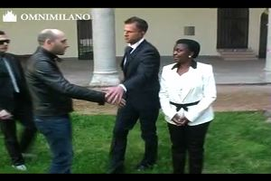 Polemica sulla mancata stretta di mano tra Cecile Kyenge e ...