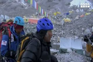 Giapponese su Everest a 80 anni, record