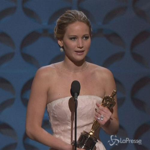 Jennifer Lawrence allergica al successo: Odio come mi ...