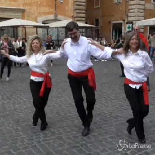 Sirtaki in piazza del Pantheon: arriva