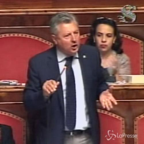 Senatore Divina attacca Renzi: Mette Paese contro le istituzioni