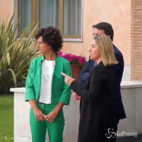 Meriam accolta da Renzi a Ciampino: Oggi è un giorno di festa