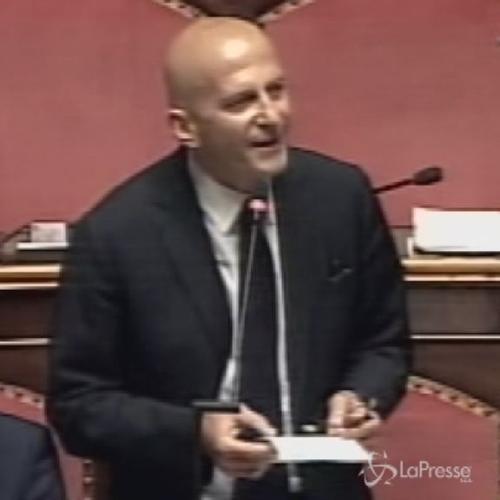 Riforme, Minzolini (Fi): Renzi più che un Cesare sembra Cesaretto da osteria