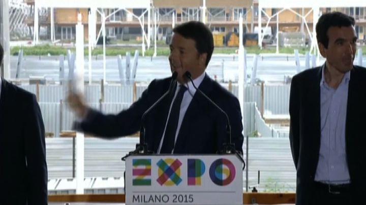 Le battute di Renzi: da quando c'è questo governo piove ...