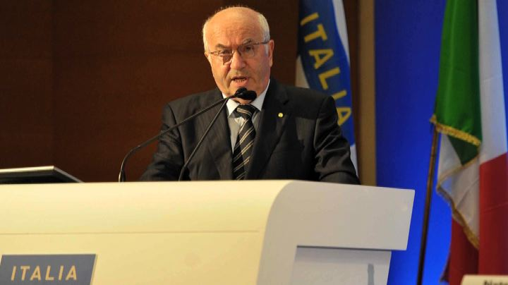 Inchiesta Uefa sulle frasi razziste di Tavecchio
