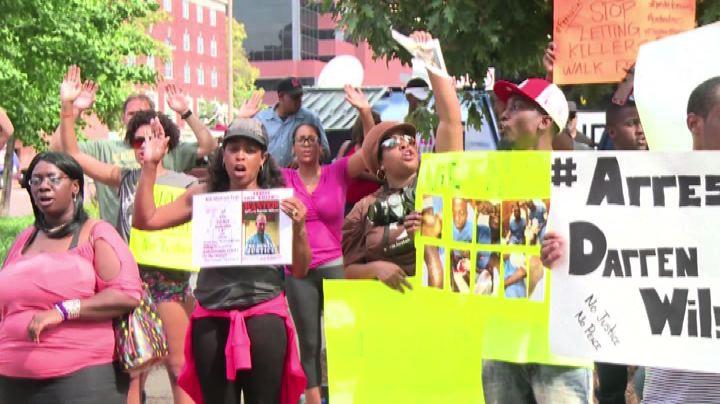 Ferguson, cortei pacifici: si attende decisione sul ...