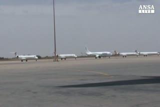 Libia: stop ai voli civili dopo i raid