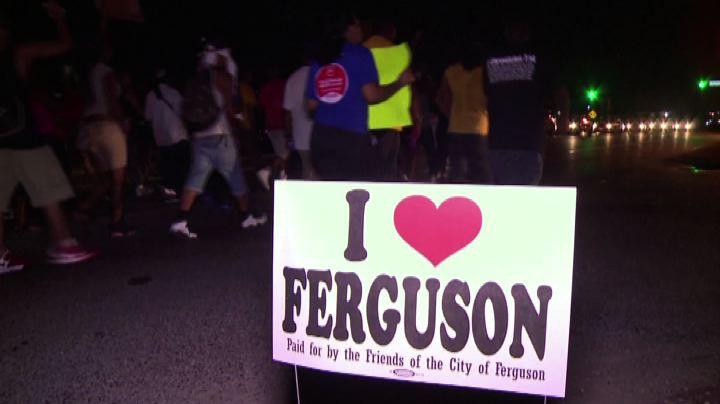 Usa, ancora proteste a Ferguson. Ritirata la Guardia ...