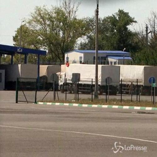 Ucraina, primi camion russi attraversano il confine con gli ...