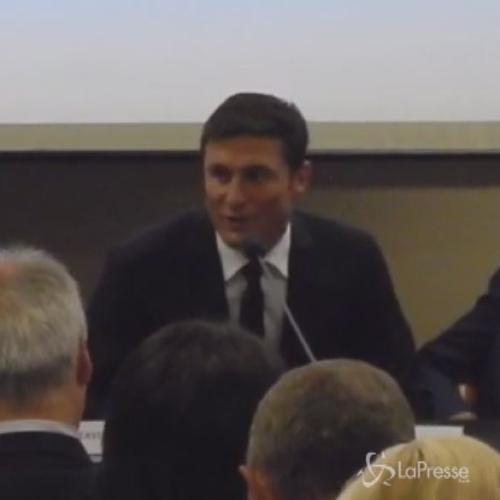 Partita per la pace in Vaticano: Zanetti emozionato, ...