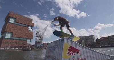 Anversa, wakeboard da urlo su oceani urbani