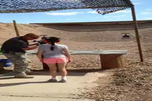 Usa, bambina di 9 anni con mitraglietta Uzi uccide ...