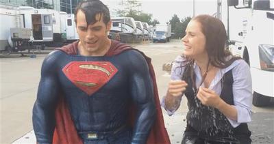 Doccia ghiacciata, Superman accetta la sfida: 6 volte