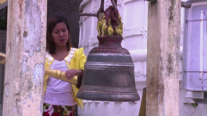 Birmania, equipe di subacquei alla ricerca della campana ...