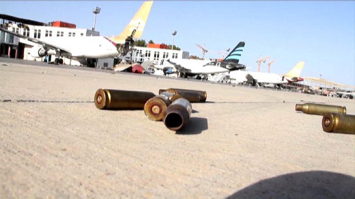 Tripoli, l'aeroporto devastato simbolo di un Paese nel caos ...