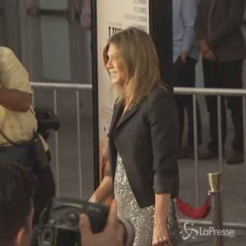 Jennifer Aniston sul red carpet con il pancino: incinta ...