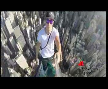 Selfie a 346 metri d'altezza