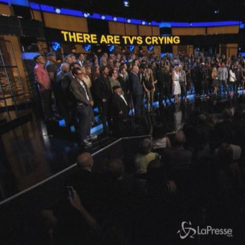 Coro di star per salutare la conduttrice di 'E!' Chelsea ...
