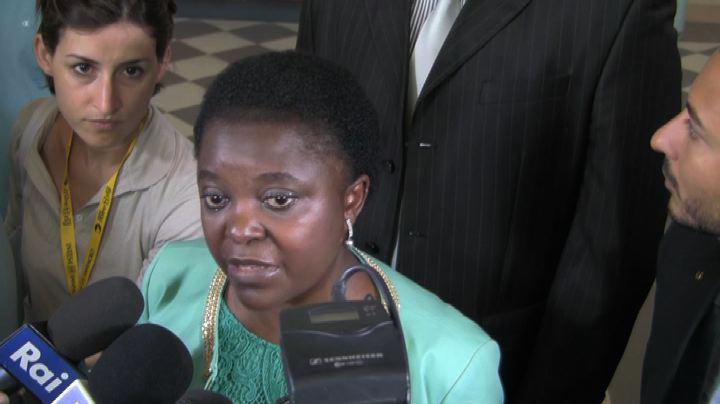 Immigrati, la Kyenge boccia Alfano: può ripetere l'anno    ...