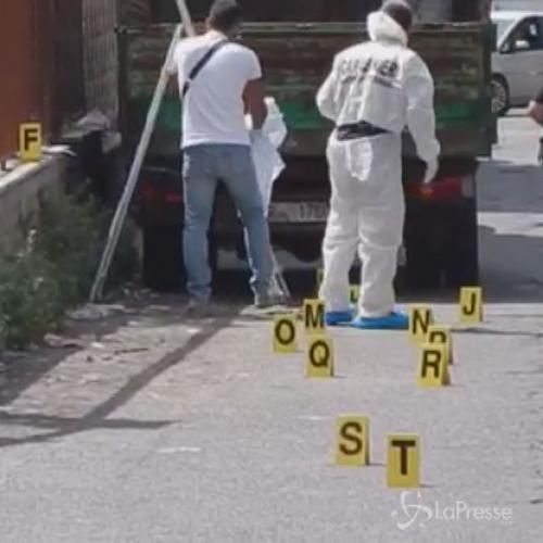 Cadavere trovato in furgone a Tor Bella Monaca a Roma