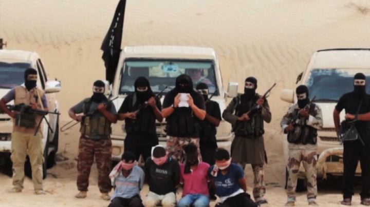 Nuovi orrori dell'Isis: decapitazioni e massacri di soldati ...