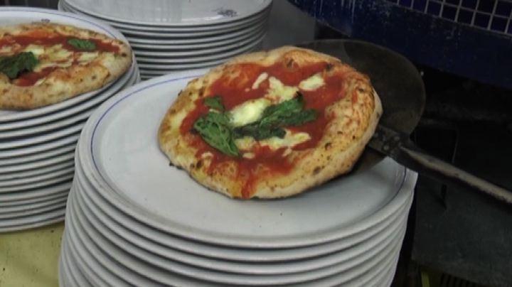 """A Napoli arriva il """"Pizza Village"""", 100mila pizze in 5 ..."""