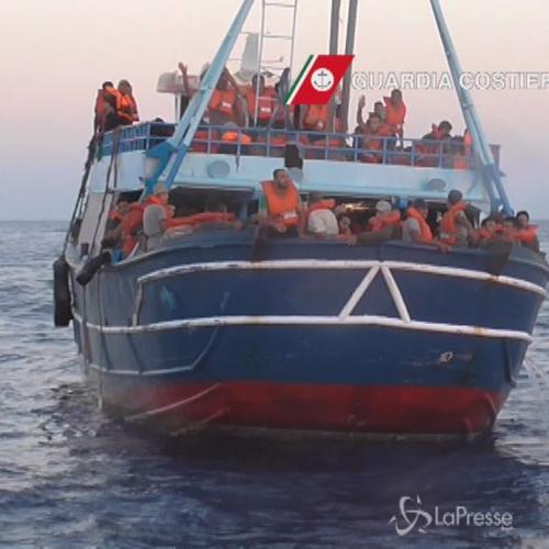 Sbarchi, 209 migranti soccorsi al largo di Capo Passero     ...