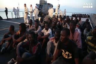 A Salerno sbarcano oltre 1.000 migranti