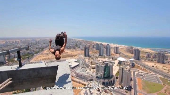 Un salto mortale capovolto e fortunato dal 40esimo piano    ...