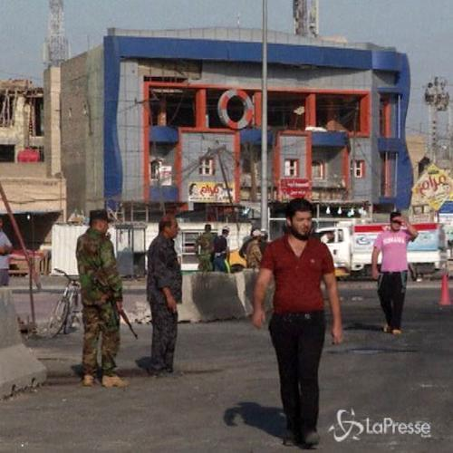 Iraq, residenti contano i danni dopo esplosioni autobombe   ...