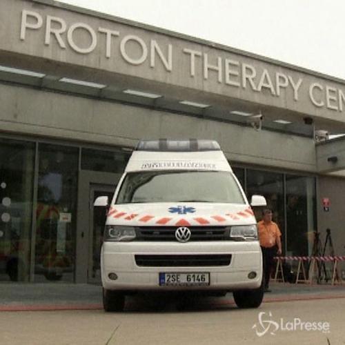 Terapie al via a Praga per il piccolo Ashya King, ...