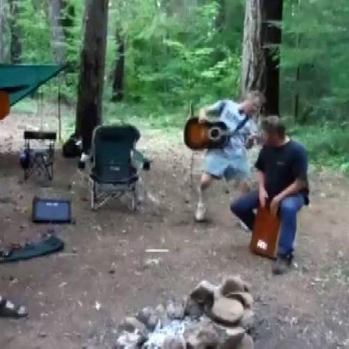 Concerto di chitarra nel bosco.. con pioggia di pipistrelli ...