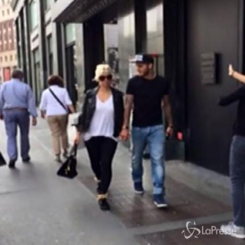 Shopping per Wanda Nara e Mauro Icardi a Milano. Ma il ...