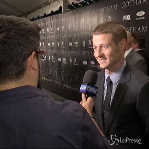 Ben McKenzie si ferisce alla testa sul set di 'Gotham': ...
