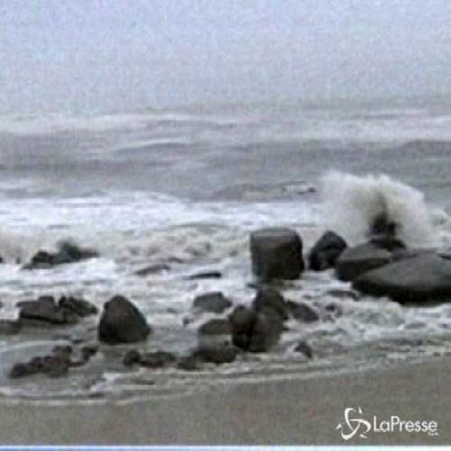 Tifone colpisce isola cinese Hainan: evacuazioni e voli ...