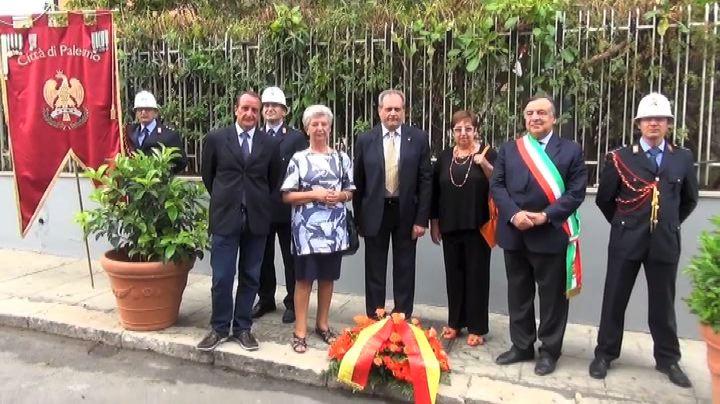Palermo ricorda il giornalista De Mauro, scomparso 44 anni ...