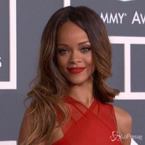 La Cbs censura canzone di Rihanna a causa della violenza ...