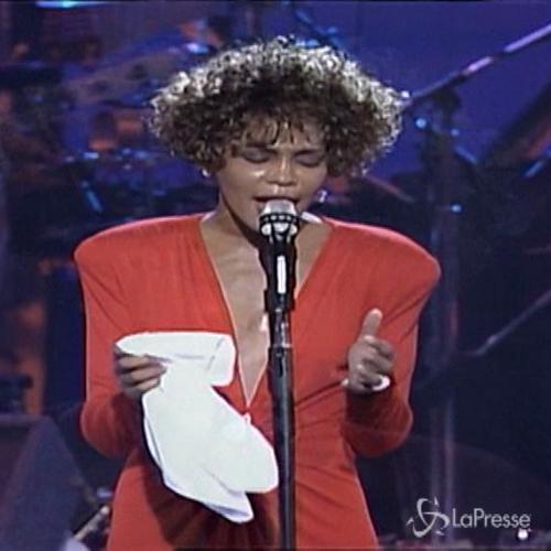 Tributo della Sony a Whitney Houston: un album con i suoi ...