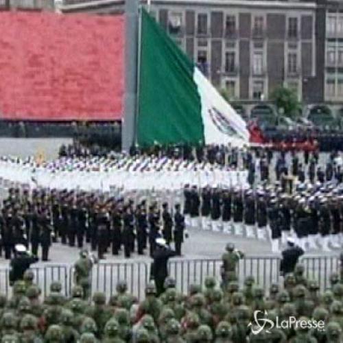 Parata forze militari a Città del Messico per 204esimo ...