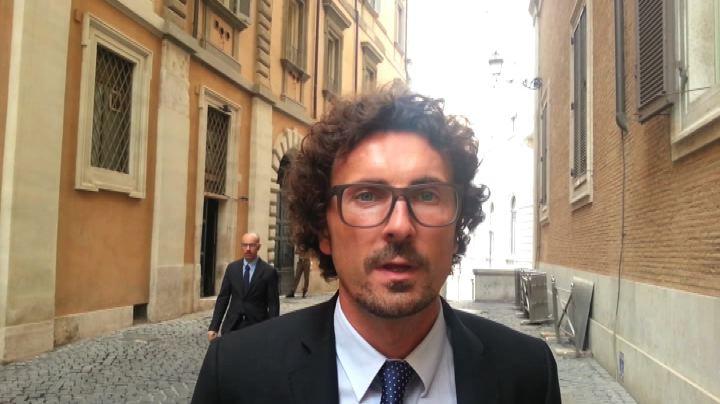 Toninelli: Consulta, basta palude, M5S vota scheda bianca
