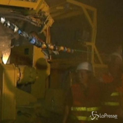 In salvo 4 operai intrappolati nel crollo di un tunnel in ...