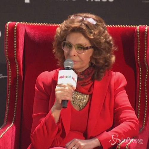 Sophia Loren in Messico per una mostra in suo onore