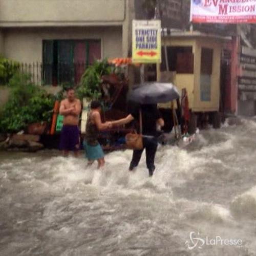 Tempesta tropicale nelle Filippine: chiusi uffici e scuole, ...