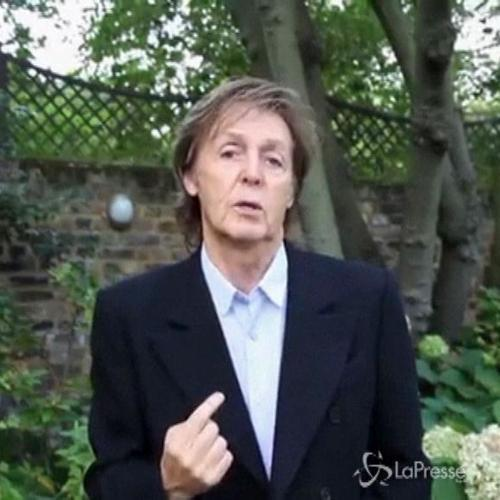 L'appello rappato di Paul McCartney: Non mangiate carne ...
