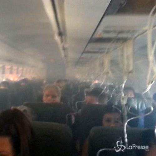 Fumo in cabina in volo, attore Twilight twitta i momenti di ...