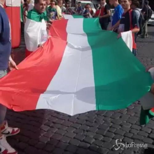 Maratona a Roma per 'Marò a casa di corsa', giovani di ...
