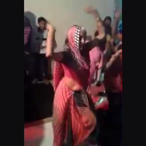 Arzilla vecchietta indiana scatenata e sensuale come una ...