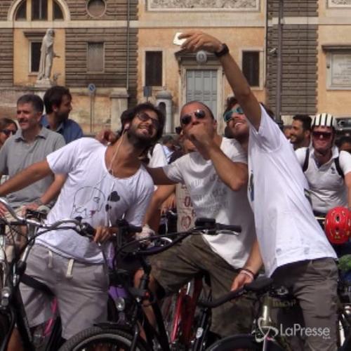 Matteo Branciamore e Nicola Vaporidis in bici con i vip del ...